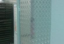 Acoperire pereți, tocuri usa intrare depozit cu tabla striată aluminiu 310x380x2000 mm