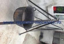 Ceaun din fonta 120 L cu trepied si lant de suspendare reglabil